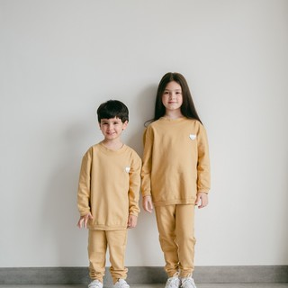 Doesn't matter if it's a boy or a girl, this Dandelion sleeping set will fit them both. DM us to check the available sizes!   Tap to view the product or visit our website to shop.   www.aaronandnoraa.com   #kidswear #kidsfashion #aaronandnoraa #ethicalstyle #SustainableKidswear